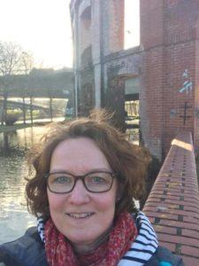 Saarbrücken, Bürgerpark Hafeninsel, die ersten warmen Sonnenstrahlen genießen